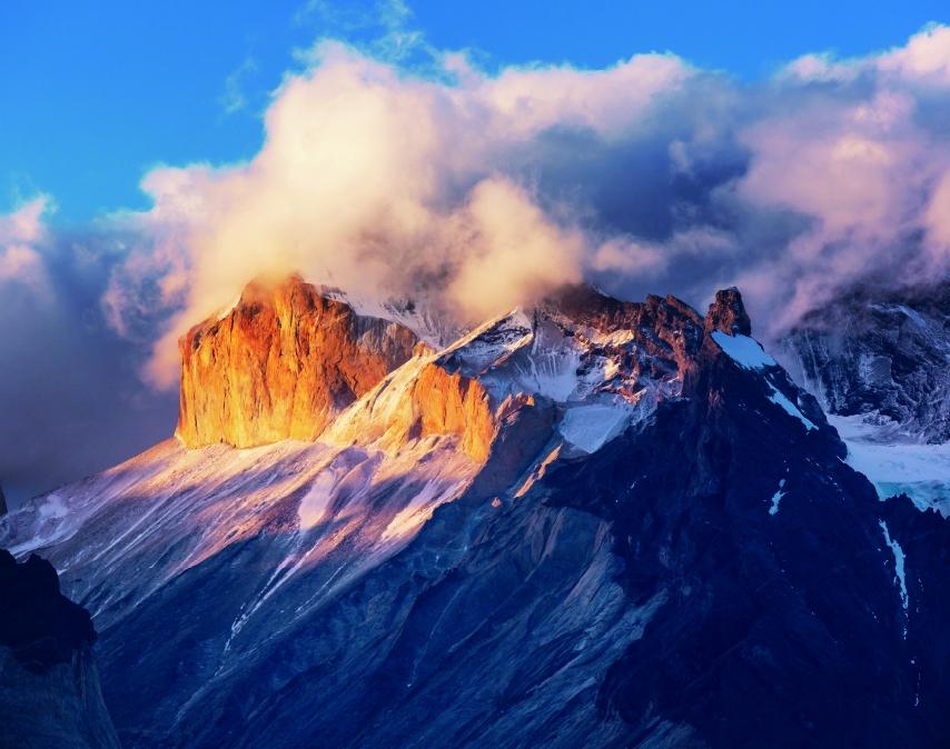 トーレス・デル・パイネ国立公園/チリ(1月/2月)